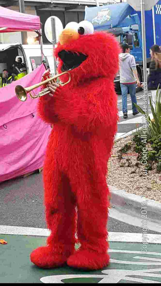 clown w trumpet.jpg